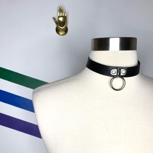 NEW O-ring faux leather choker
